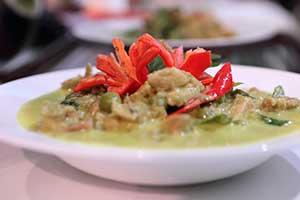 แกงเขียวหวานไก่: คุณธวัลรัตน์ แก้วไทรนันท์