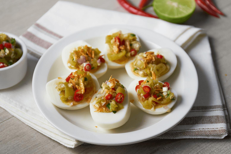 ยำพริกหยวกไข่ต้ม