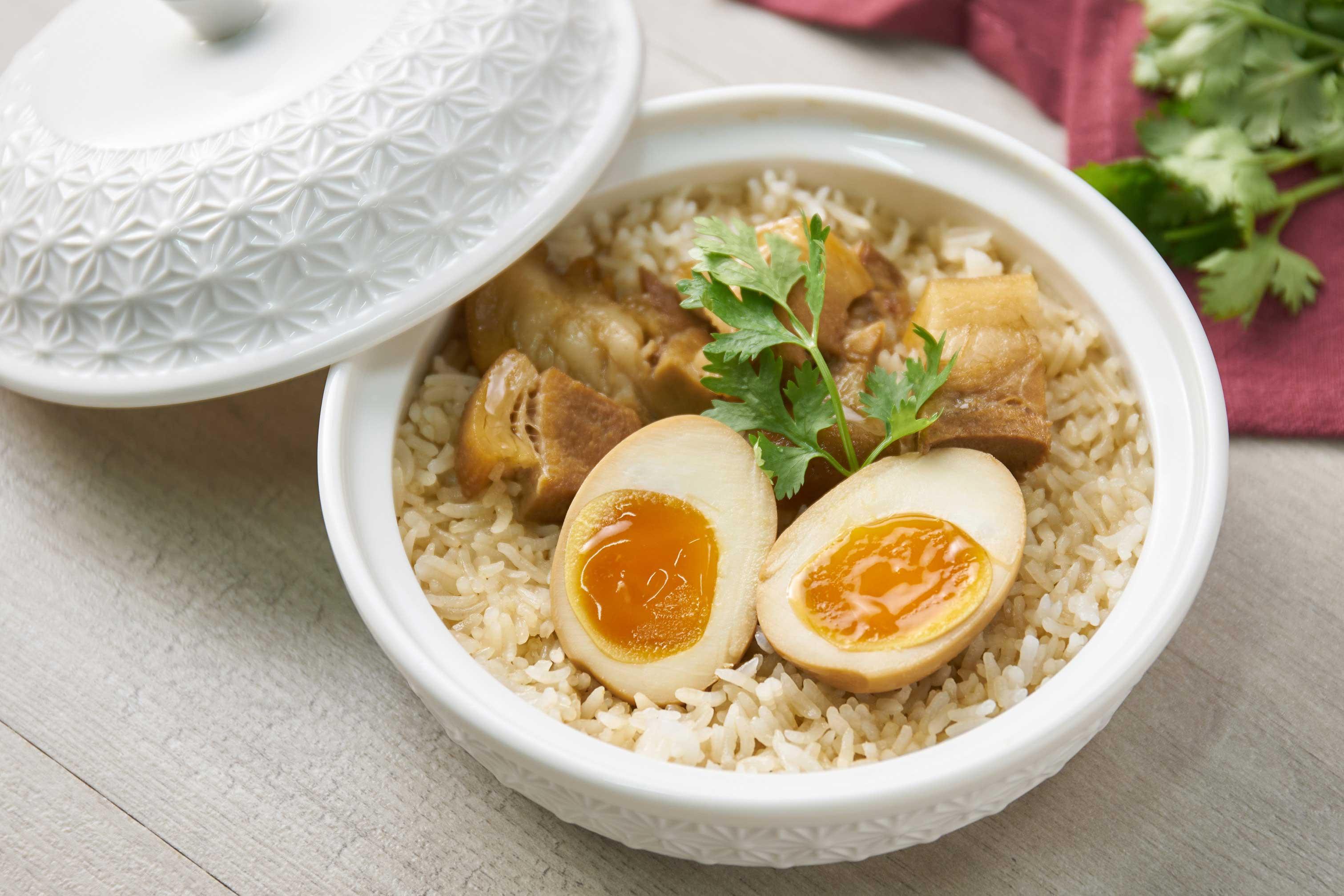 ข้าวอบไข่พะโล้หมูดำคูโรบูตะ